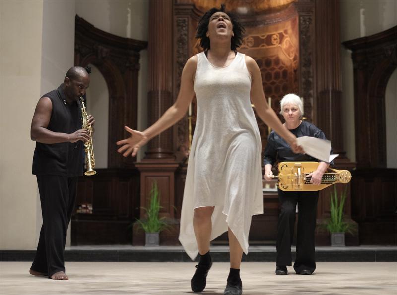 Elaine Mitchener performing