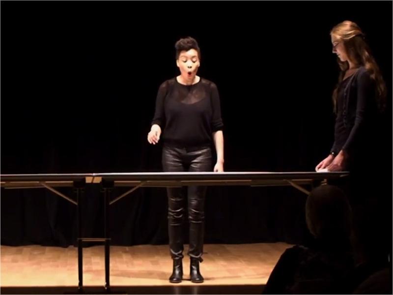 Elaine Mitchener performing in Manga Scroll